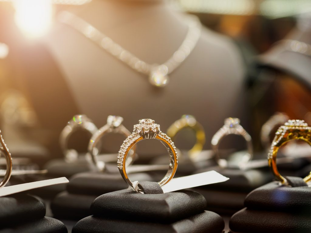 Why You Might Want Personalized Jewelry